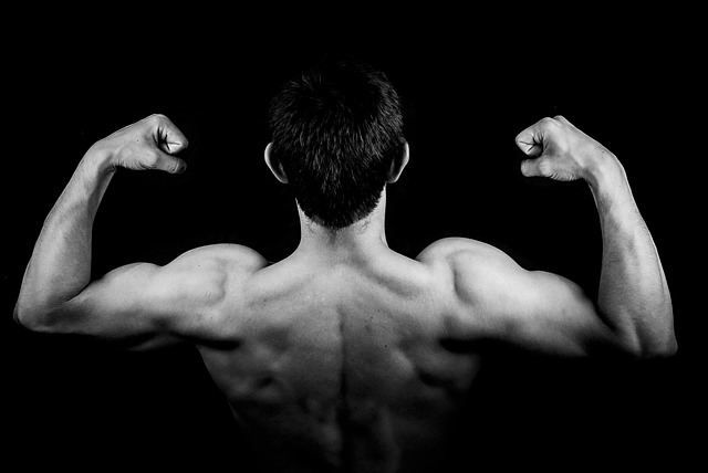 ćwiczenia siłowe z trenerem