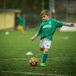 Odzież piłkarska dla dzieci. Co kupić dla małego piłkarza?